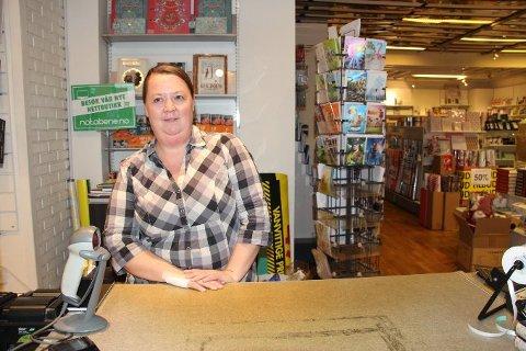 Får ikke fortsette: Onsdag kveld fikk daglig leder Linda Hansen beskjeden om at bokhandelen legges ned.