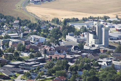 Rakkestad sentrum, nærbilde, flyfoto.