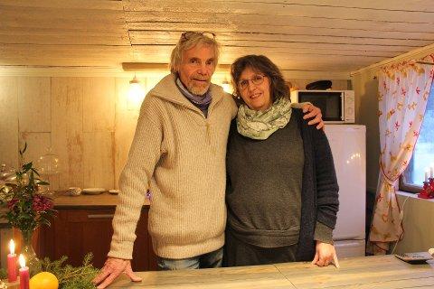 JULESTEMNING: Rune Grinvold og Anita Haglund Grinvold hadde julemarked på Lilleheier gård.
