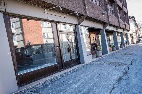 Usikkert: Rakkestad Frivilligsentral ønsket å åpne en butikk i de ledige lokalene i Storgata 6.