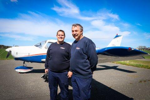 ÅPEN DAG: Rune Koppen, påtroppende flyplassjef (t.h.) og Rune Valstrand, teknisk sjef ved Rakkestad flyplass.