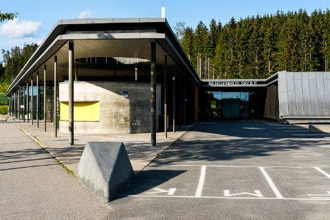 FLERE NYE: Bergenhus skole er en av skolene i Rakkestad der de ansatte har fått nye kollegaer.