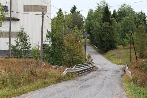 UTBEDRES: Brua ved Gjøby Mølle får en etterlengtet fornying.