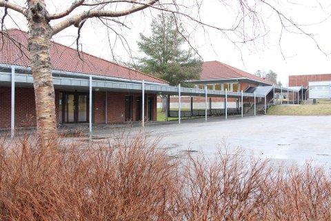 SMITTE: Tre elever på 10.trinn ved Rakkestad ungdomsskole har fått påvist koronasmitte.