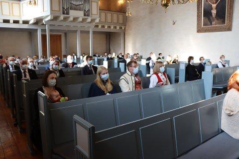 Tiltak: Munnbind blir påbudt i kirken i julen. Bildet er fra konfirmasjonen i høst.