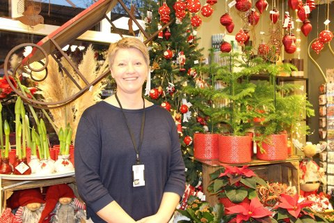 TAKKNEMLIG: Marianne Solbrække i Hjelp oss å hjelpe Østfold, setter pris på at sambygdingene hjelper hverandre.