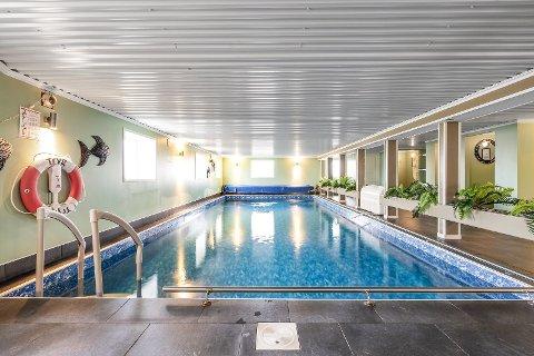 BASSENG: I 2013 og 2014 ble det bygget svømmebasseng med garderober på Nordre Gjulem.