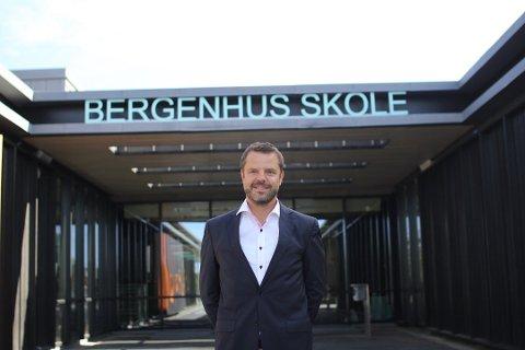 KLAR: Rektor Halvor Kjeve ved Bergenhus skole, gleder seg til å ta imot resten av skolens elever.