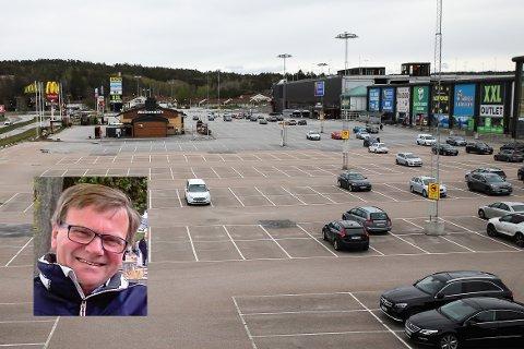 ENSIDIG: Førstelektor Theo Schewe ved Høgskolen har forsket på grenseturismen og hvorfor nordmenn valfarter til  Sverige, mens få kommer andre veien.