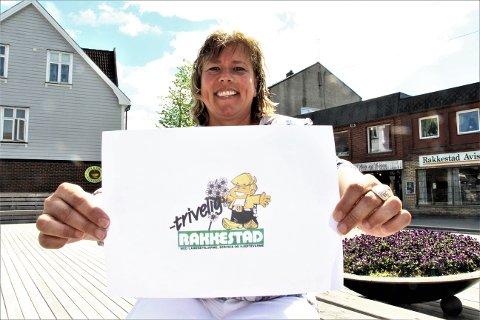 Skal byttes ut: Irene Larsen synes det er på tide med ny logo til Rakkestad Handelsstand.