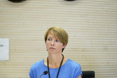 HÅP: Kommunikasjonssjef Mimi Slevigen under pressekonferansen i forbindelse med smittespredningen i Indre Østfold søndag ettermiddag.