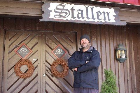 STENGER: Heine Glosli tar ingen sjanser, og stenger Stallen Pizzapub. Her er bildet fra mai da han planla å gjenåpne etter to og en halv måneds stenging.