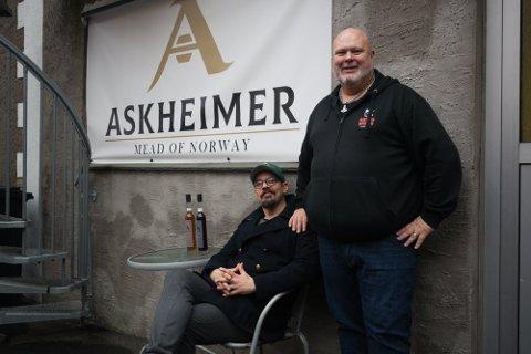 Nye sorter: Askheimer Mjøderi er i gang med å planlegge nye smaksvarianter. Her ser vi bryggmester Jarl-Magnus Einang og styreformann Anders Riseng.