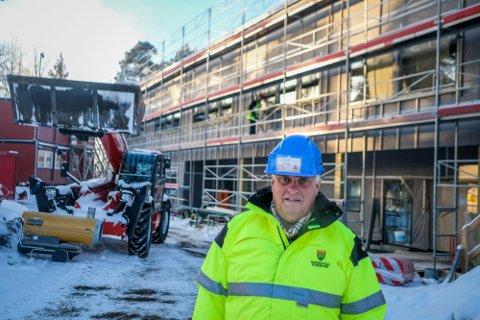 Ekstrakostnader: I forbindelse med byggeprosjektet på Os skole, måtte Rakkestad kommune betale 225.000 kroner for å løse en konflikt mellom Boger Bygg AS og Østre Linje Arkitektur og Landskap AS. Det bekreftes av Jon Ådalen, rådgiver i Rakkestad kommune og prosjektansvarlig for nye Os skole.
