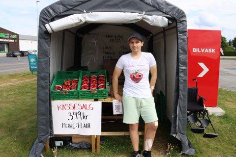 Avskyttet: I løpet av uka avslutter Adrian Søderkvist  (17) jordbærsalget