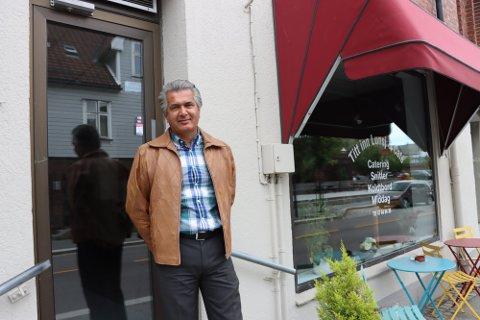 Løsning: Masoud Raissi (62) jobber med å finne en løsning for å åpne bakeri og konditori i Storgata 10.