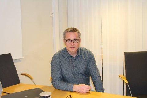 Noenlunde normal skolestart: Morten Vedahl, skolesjef, forteller at skolene starter på grønt nivå. Foto: Elin Marie Rud