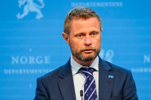 Helse- og omsorgsminister Bent Høie varsler opphevelse av koronatiltak.