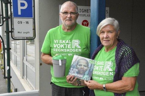 Samler inn: Stein Hovind og Mary Ann Dahl  stiller under søndagens innsamlingsaksjon, og håper du også bidrar.FOTO: Kenneth Haagensen Husby