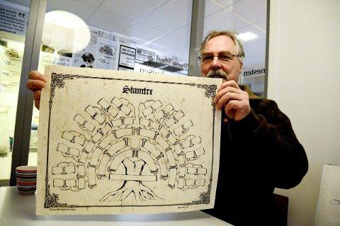 KLAR: Frank Endresen, leder i Rana slekts- og historielag, er klar for slektsforskningens dag på lørdag. Foto: Ida Madsen Hestman