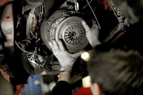 Lov om håndverkertjenester regulerer arbeid utført på verksted.