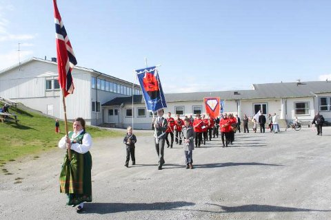 Fra årets 17. maitog på Lurøy.