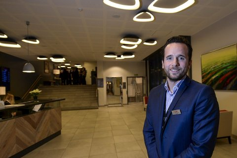 STREIK: Scandic Meyergården er et av hotellene som kan bli tatt ut i streik fra lørdag morgen av. Her hotellsjef Ruben Nilsen Robertsen. Bildet er tatt i en tidligere anledning.