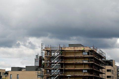 Bustadsoppføringsloven regulerer tidsfrister under oppføring av bolig.