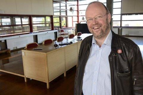 SPENNENDE OG TØFT:   Ordfører  Geir Waage  ser for seg at 2016 blir et spennende og tøft år for Rana. Han gleder   seg til sykkelfesten i august og håper at Stortinget vedtar en finansieringsplan for ny flyplass.  Foto: Arne Forbord