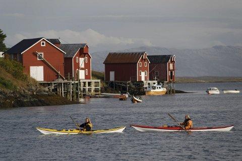 Satsing: Kajakkpadling blir satset mer på av reiselivsnæringen på Helgeland.Foto: VisitHelgeland