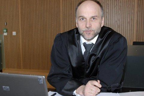 SPØRSMÅL: Advokat John Erik Nygaard mener saken reiser en del prinsippielt viktige spørsmål som Høyesterett bør avklare. Blant annet hva er «manglende edruelighet» i veitrafikkloven»?   Foto: Hugo Charles Hansen