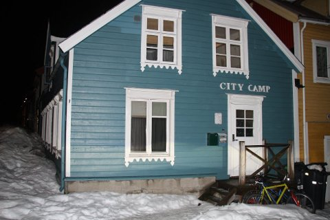 OVERNATTINGSSTED: Peter Davidsberg fra Mo i Rana reagerer etter at han booket overnatting på City Camp i Tromsø. Foto: Magnus Joki Arild