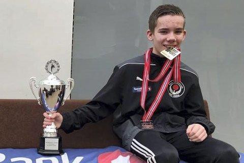 Julian Halsøy fra Rana karateklubb var fire stemmer unna at karateklubben fikk årets idrettsnavn for andre året på rad.