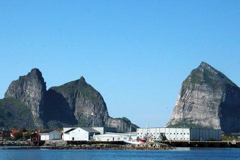 Træna Modolv Sjøset har noen av sine fasiliteter på øya ytterst i havgapet.