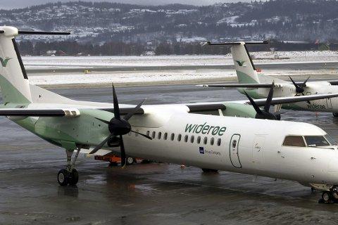 Propell: Rapporten mener at det vil være potensial for å fly med Dash 8 Q400 på ruten mellom Mo i Rana og Oslo dersom det bygges flyplass med lang rullebane på Hauan. Foto: Wikicommons