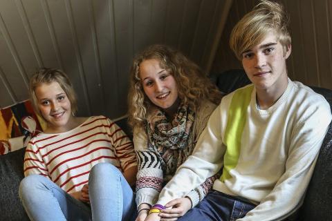 Fornøyd trio: Trekløver består av Lotte Rødahl Friis, Kine-Louse Nikoline Forsbakk Jacobsen og Lasse Rødahl Friis. Foto: Emilie Sofie Olsen