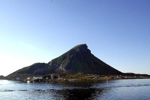 Startøya: På Lovund sparkes folkemøteserien med lokalpolitiske debatter i gang. Det er lagt opp til debattmøter på de tre store øykretsene samt Lurøy innland. Foto: Geir Vea