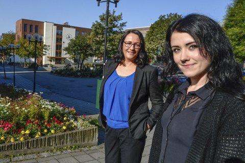 Velkommen: Elisabeth Kulseng-Johansen (t.v)  og Terese Sofie Thørnquist har tatt initiativ for å hjelpe flyktningene så de skal føle seg velkommen når de kommer til oss. foto: øyvind Bratt