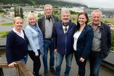 Linda Eide (A), Gerd Jakobsen (A), Jan-Erik Arnøy (A), Atle Hiller (Rødt), Inge Myrvold (SV) og Hilde Rønningsen (SV) forhandler nå om Rana-makta. KrF er og med. Foto: Arne Forbord