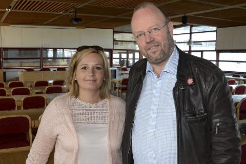 Linda Eide (t.v.) og Geir Waage, begge fra Arbeiderpartiet, blir henholdsvis varaordfører og ordfører. Foto: Arne Forbord