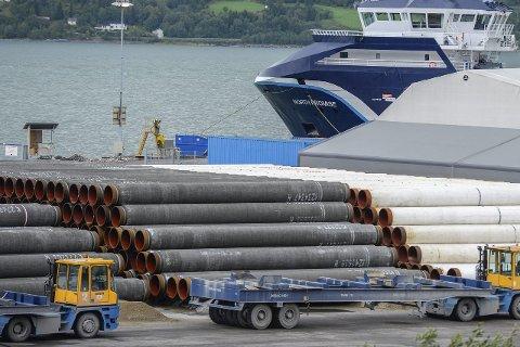 SIste rør: De siste rørene til Polarled ble skipet fra Mo Industriterminal for kort tid siden. Foto: Øyvind Bratt
