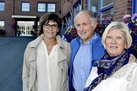 Mangler sykepleiere: Distriktslederne Randi Ødegaard, Rolf Eliassen og Marit Sviggum har store vansker med å få tak i nok sykepleiere til sykehjem.Foto: beate Nygård