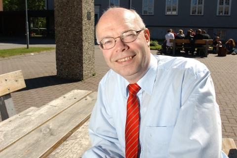 Ser fram til: – Dette er noe vi har jobbet med i lang tid, sier rektor Sven Erik Forfang ved HiNe.Foto: Øyvind Bratt