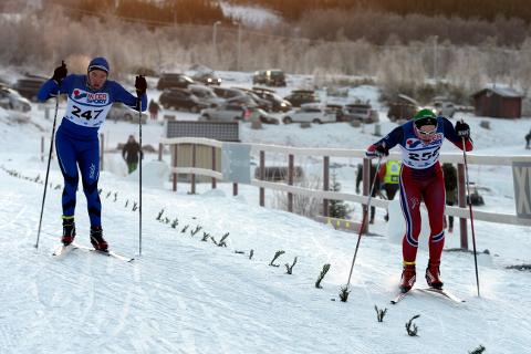 Henrik Nyvold (t.h.) fra Innstranden gikk i mål ett sekund foran Even-Johan Kaspersen fra Bossmo & Ytteren, like bak kom Sigurd Aarthun fra Åga IL. (Foto: Anders Bergundhaugen)