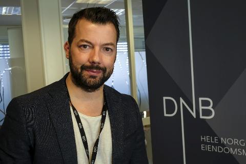 Stabiliserer seg: Tomi Christian Johansen i DnB Eiendom registerer nå at utbudet av boliger til salgs går ned og etterspørselen går opp. Foto: Øyvind Bratt