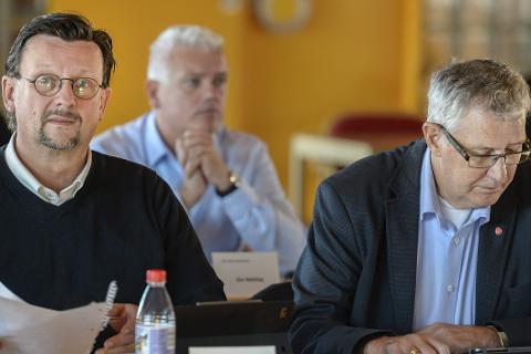Omfattende: Nils Notler (t.v.) og Jan Erik Arnøy i Ap vil ha ei ny omfattende skoleutregning på bordet.