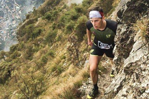 Dette er skyrunning på det mest ekstreme. Bildet av Rolf Einar Jensen i aksjon i Italia forteller det meste. Foto: Privat