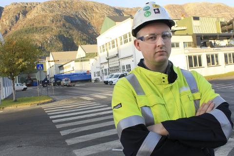 Bekymret: Rune Krutå framhever at en økning i prisen på strøm på ti øre per kWh gir en merutgift på 290 millioner kroner hvert år for Alcoa.