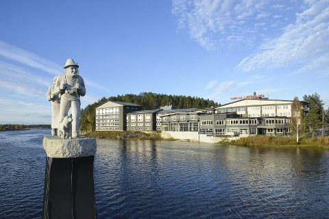 Ved Elva: Hotell Lappland ligger helt nede ved bredden til Ume.