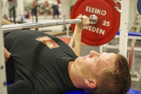 REKORD: Audun Kvitvær kan mer enn å spille fotball for Mo IL. I helga viste han styrke i ungdomsklassen i NM i styrkeløft. Foto: Privat